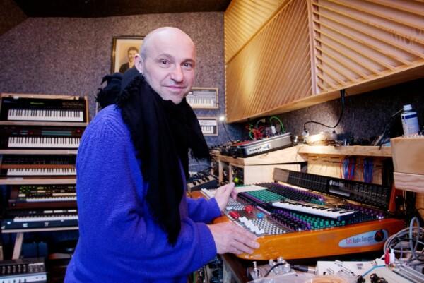 Henrik Schwarz, musician, studio, keyboards